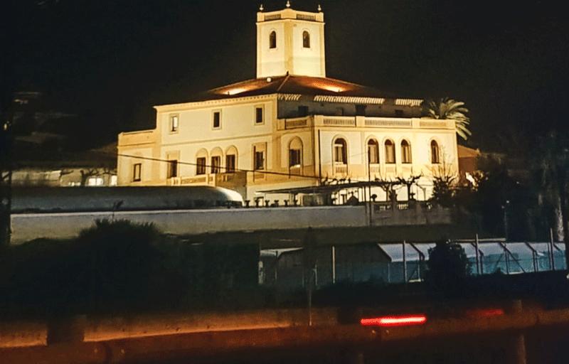Il·luminació de la façana de Can Torras