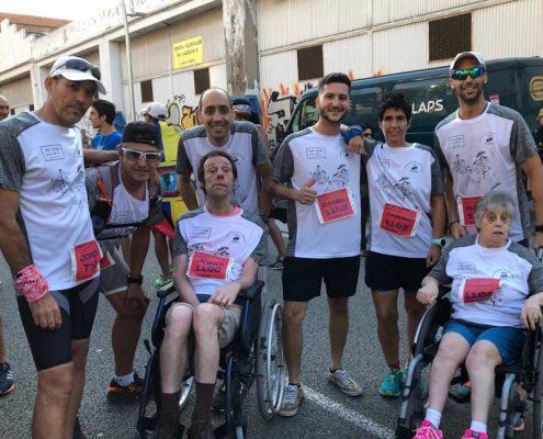 Els residents de Les Hortènsies a la cursa del Poble Nou