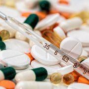 Termometro y medicacion