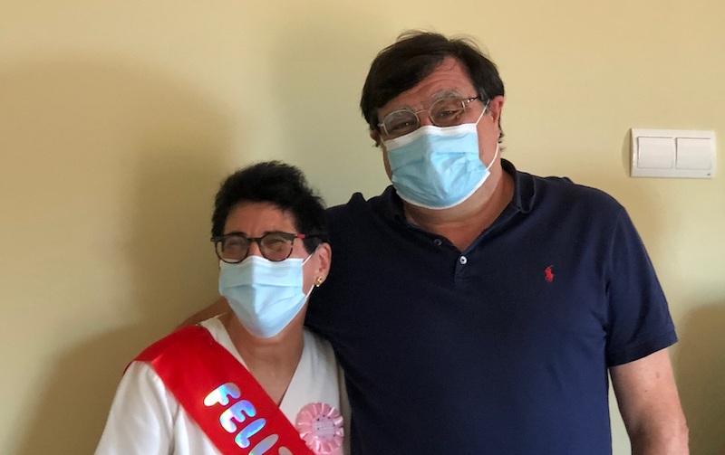 La nostra companya Ludi amb el Doctor Cuartero
